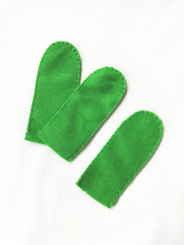 sewing-green-felt-cactus