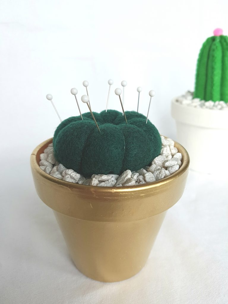 round-felt-cactus-in-clay-pot-with-pins