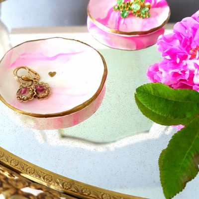 Easy DIY Jewelry Tray