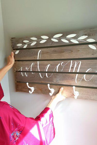 Easy DIY Lettering on Wood