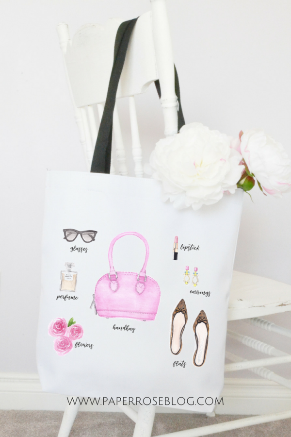 fashion-accessories-tote-on-chair