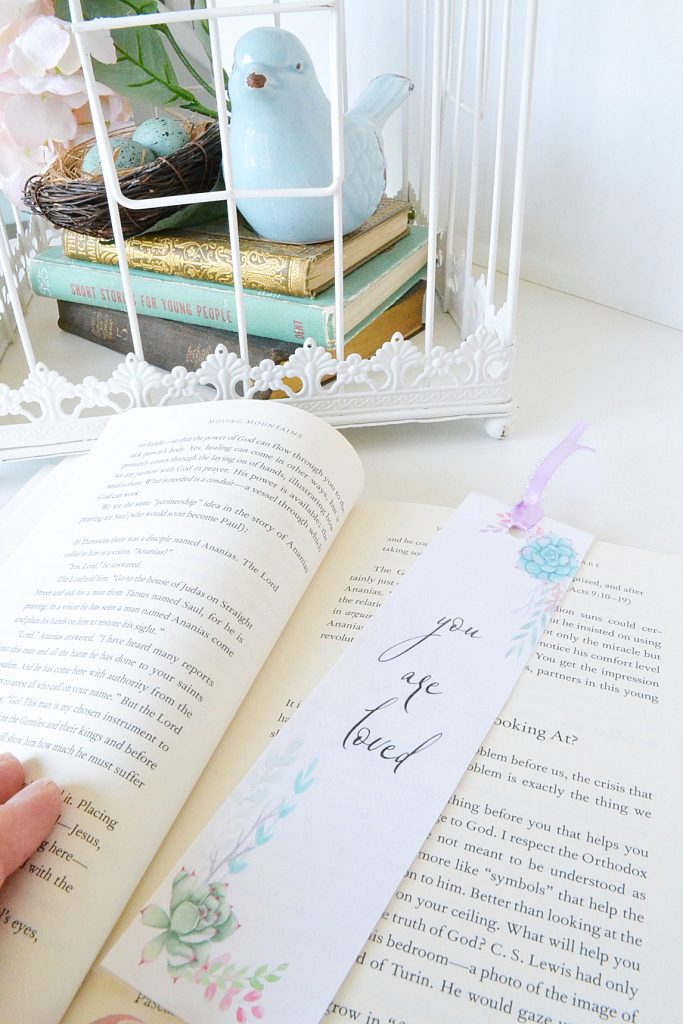 bookmark-with-book