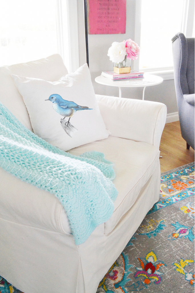 decorating-with-throw-pillows-bluebird-pillow
