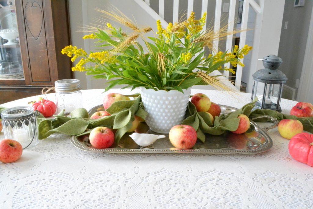 felt-leaf-garland-goldenrod-apple-centrepiece