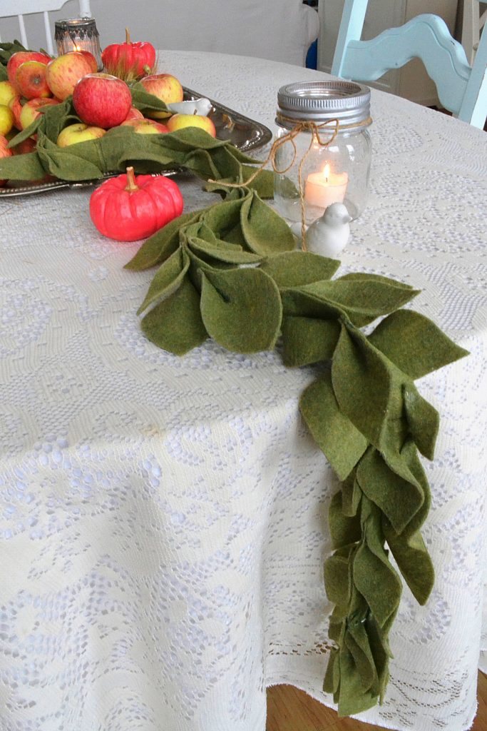 green-felt-leaf-garland-centrepiece