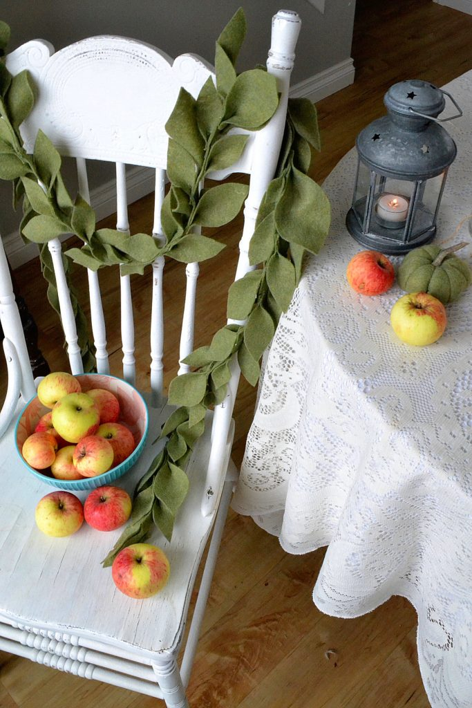 leaf-garland-white-chair-apples