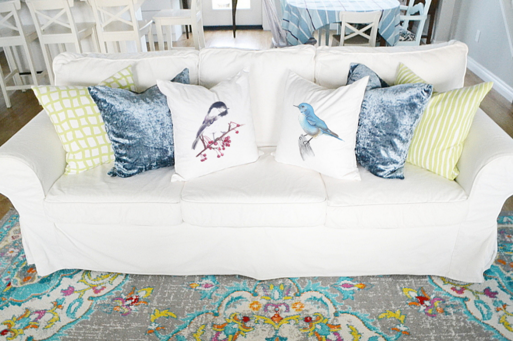 decorating-with-throw-pillows-sofa