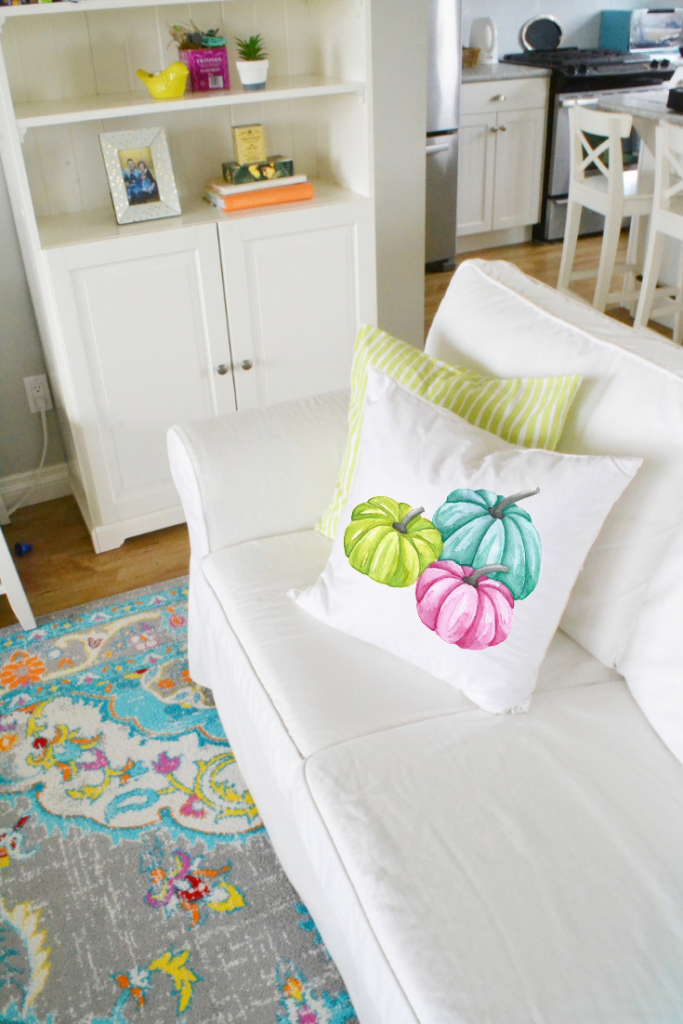 decorating-with-throw-pillows-pumpkin-pillow