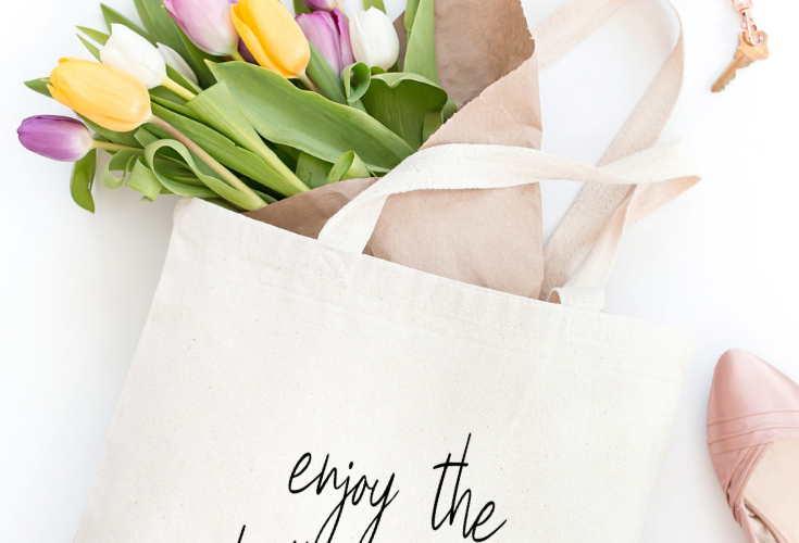 Tote Bags for Moms: 15 Inspiring Mother's Day Tote Bags