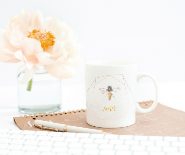 bee-kind-mug