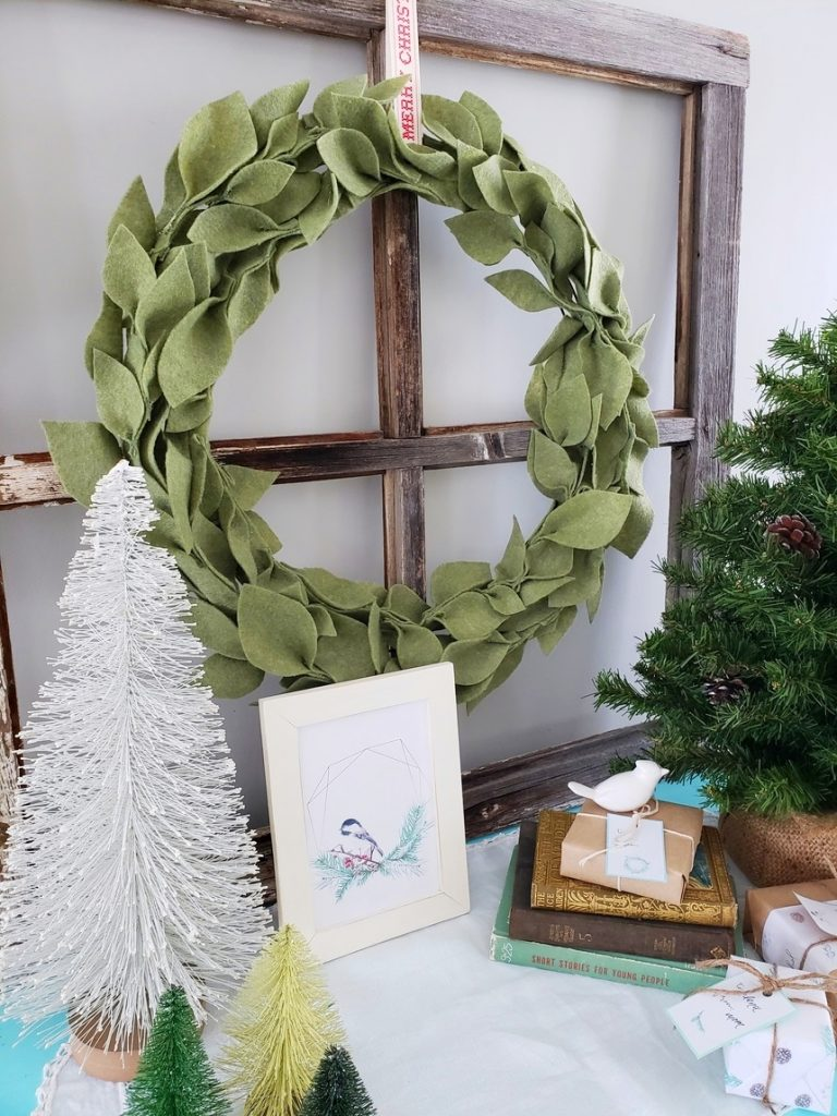 felt-leaf-wreath