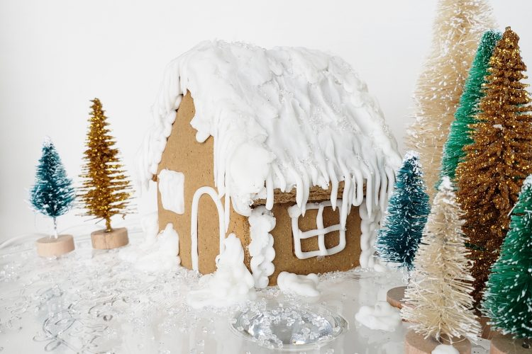 easy-gingerbread-house