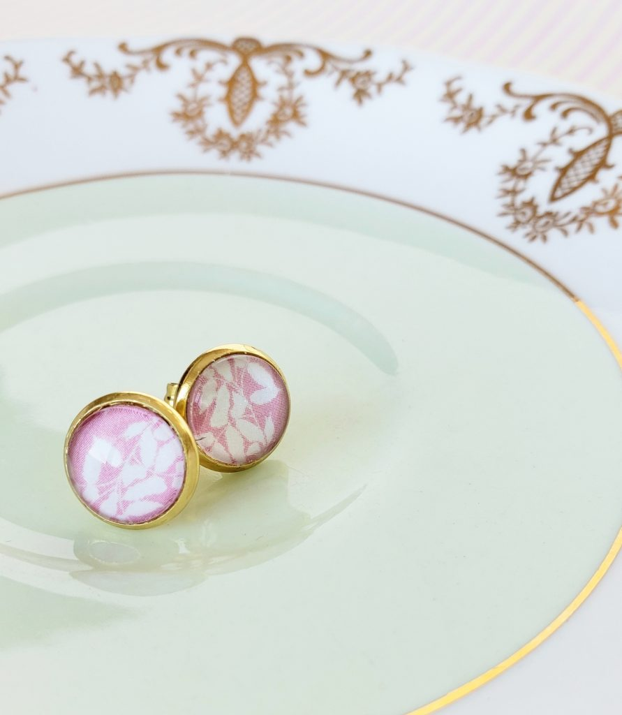 This image has an empty alt attribute; its file name is earrings13-891x1024.jpg