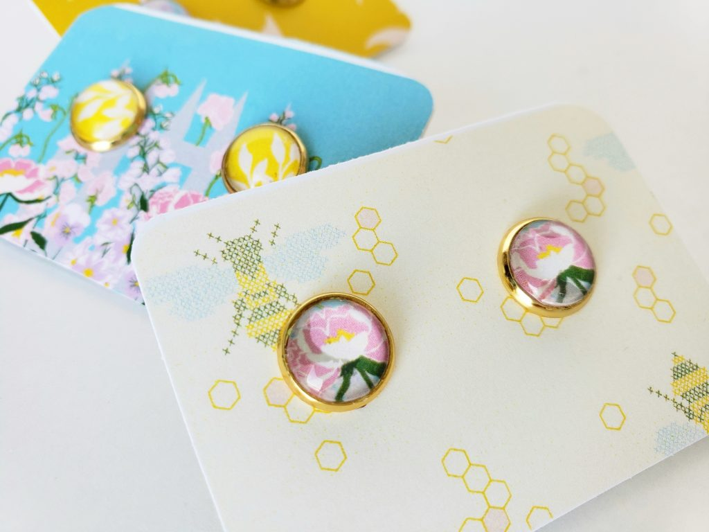 This image has an empty alt attribute; its file name is earrings14-1024x768.jpg